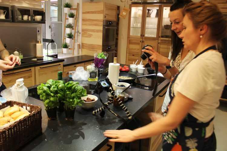 blogers-cook-in-warsaw-kuchnia-spotkaa-nowy-jork-na-talerzy-ksia-ka-danone-spotkanie-bloger-w-kulinarnych-2017-miti-miti-pr-11_localfoodie